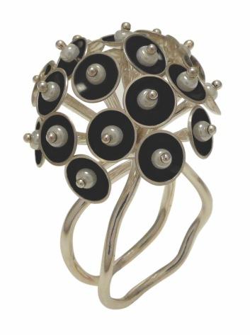 va.an.1– Sway ring, ring, 950 silver, vitreous enamel, pearls