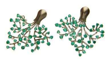 es.ar.4– Tree of life, earrings, 18 karat palladium grey gold, Colombian emerald