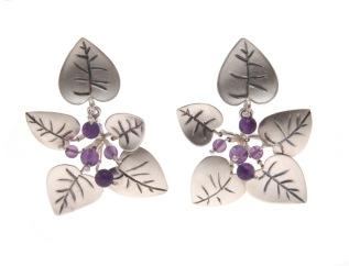 je.ar.10– Leaf litter, earrings, 950 silver, vitreous enamel, amethyst