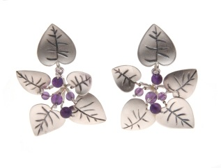 je.ar.10– Leaf litter, earrings, 950 silver, vitreous enamel, amethyst