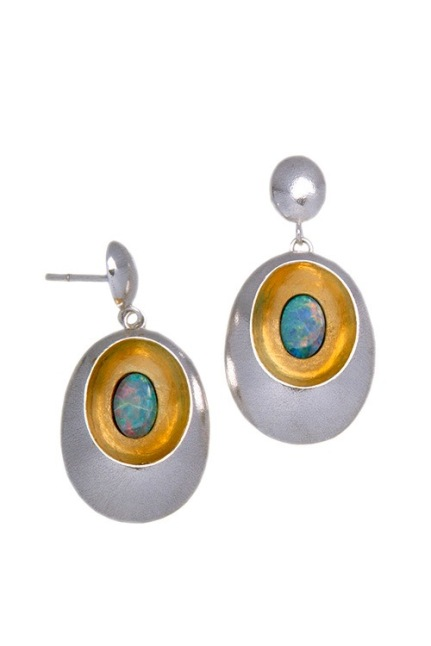 em.ar.1– Waterhole, earrings, 24 karat gold, 950 silver, Australian fire opal