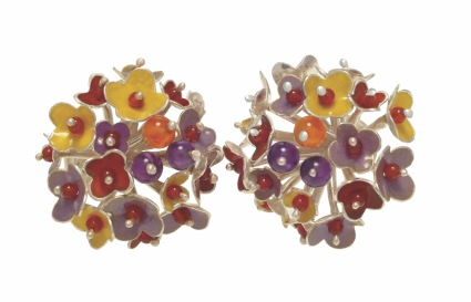 je.ar.1– Spring Blossoms, earrings, 950 silver, vitreous enamel, cornelian