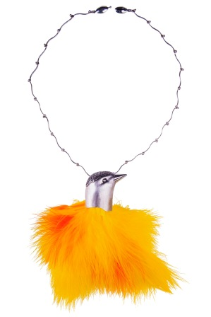 em.co.5– Feathered guest, necklace, 950 silver, feathers