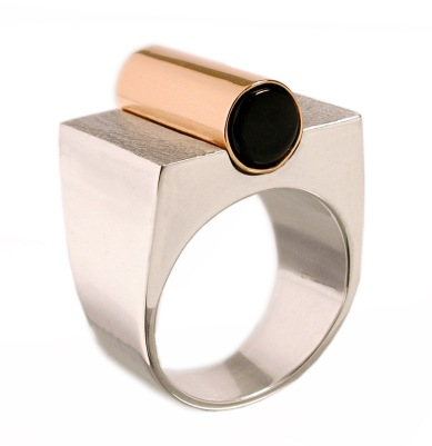 im.an.1– Magnet, ring, 950 silver, 18 Karat red gold, cow horn