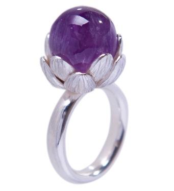 em.an.3–Loto, ring, 950 silver, amethyst.