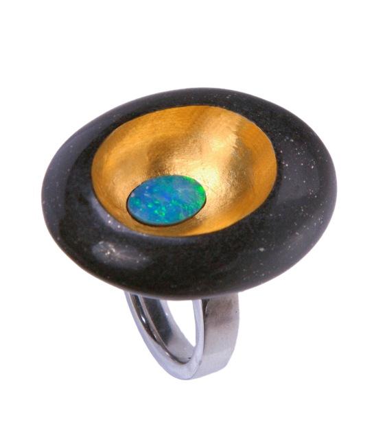 em.an.1 – Waterhole, ring, 24 karat gold, 950 silver, Australian fire opal, lutita, shale