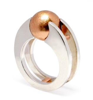 wa.an.1– Ma'a (The middle path), ring, palladium sterling, 18 karat red gold