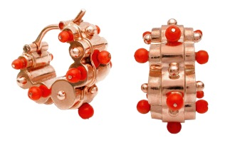 wa.ar.2– Iwa (Spring blossoms), earrings, 18 karat red gold, recycled red coral