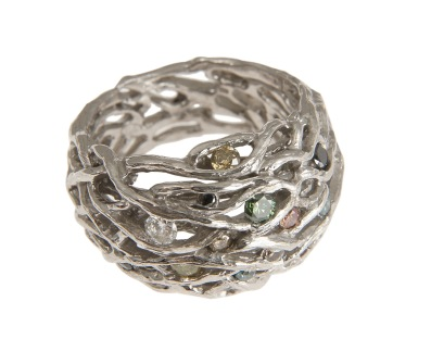 bo.an.2– Boreal glints, ring, 18 karat palladium grey gold, diamonds: green, yellow, blue, orange, champagne, black and colorless