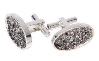 im.ma.3.– Magnet, cufflinks, 950 silver, patina
