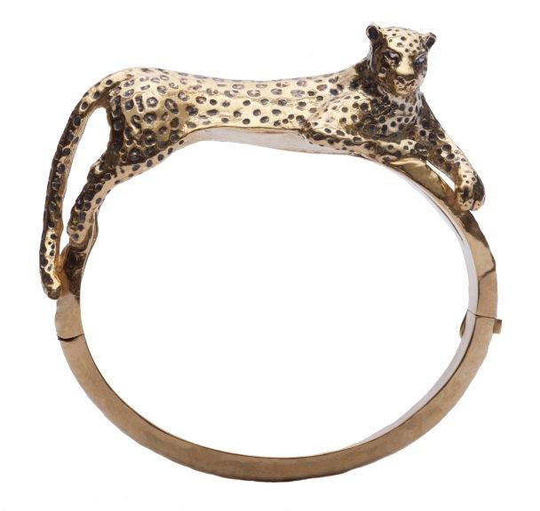 em.pu.2– Balam [Jaguar in Mayan], bracelet, 950 silver, 24 karat gold plated, patina